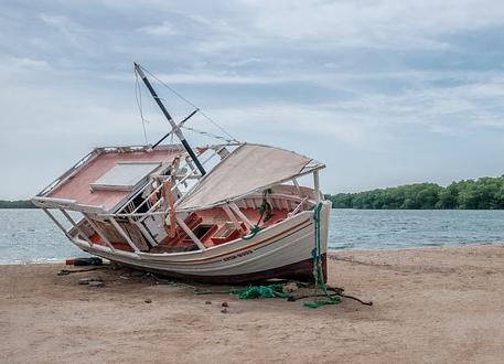 В кризис ваш бизнес - это корабль, который тонет и ваша задача его спасти.