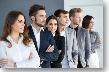 Поиск новых возможностей для развития бизнеса и карьеры