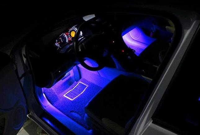 Подсветка в автосалон под ноги